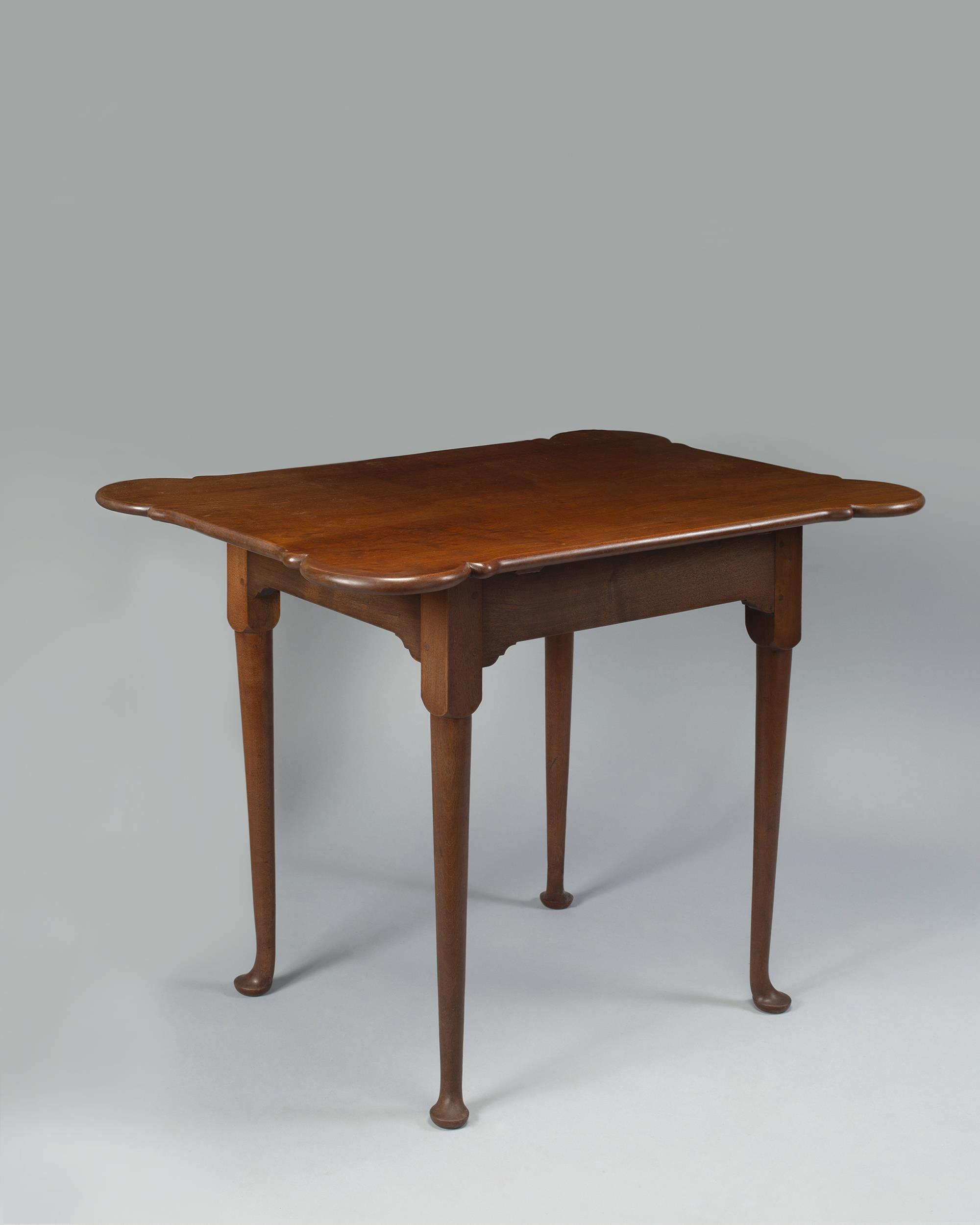 Queen Anne Figured Mahogany Porringer Top Tea-Table